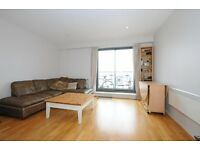 Arta House - One bedroom apartment - Very close to Shadwell - Balcony views