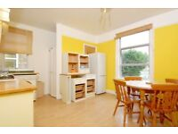 Quinton Street -A two bedroom property to rent in Earlsfield