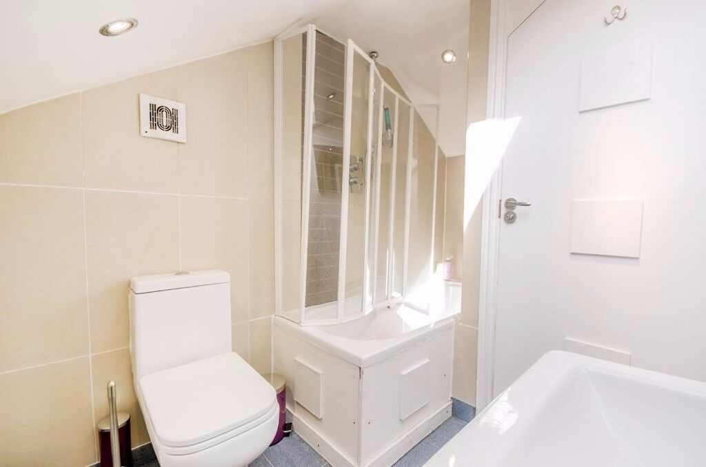 SHORT HOLIDAY LET - STUNNING 2 BED GARDEN FLAT MUSWELL HILL, N10 - NO TENANT FEE'S