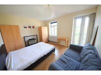 Pleased to bring to the lettings market this 3 bedroom flat very close to Clapham North Tube Station