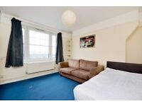 SPACIOUS 3/4 DOUBLE BEDROOM APARTMENT W/ BALCONY LOCATED IN THE HEART OF KENTISH TOWN