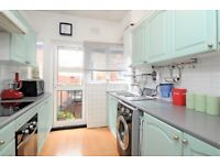 Spacious 3 bedroom garden floor flat close to Willesden Green St. ZONE 2 call now for a viewing