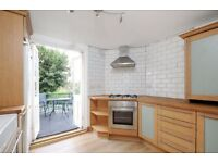 SHORT LET - Two double bedroom flat located on Plough Road with easy access to local transport links