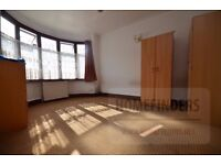 5 bedroom terraced house to rent in Ravenhill Road, Plaistow, E13