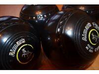 Almark Commander lawn Bowls; Size 5M