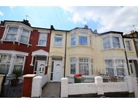 3 bedroom terraced house to rent in Glenparke Road, Forest Gate, E7