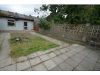LARGE 3 BEDROOM GARDEN FLAT AVAILABLE NOW