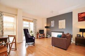 ** Modern two bedroom ground floor garden flat in a gated development next to Kew Bridge ** MUST SEE
