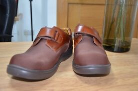 Men's Orthotic Shoes - Size 6W- Clearance Sale