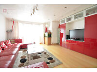 Hackney E5 --- Amaizing 4 Bed Townhouse With Garden ----- £485pw --- E5 8RF----