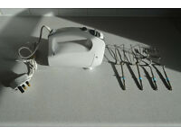Hand Mixer 5-speed w. Attachments (only used once)