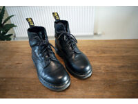 UK 6.5 - DR. MARTENS FORLIFE 1460 SMOOTH BLACK BOOTS