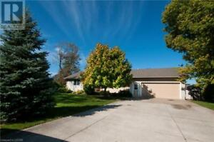 8451 ADAMS COURT Lambton Shores, Ontario