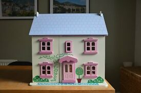 Lovely Dolls House, Furniture and Dolls