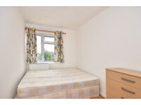 DOUBLE ROOMS AVAILABLE FOR RENT IN PLASTOW NEAR STATION**NO DEPOSIT REQUIRED AVAIABLE NOW
