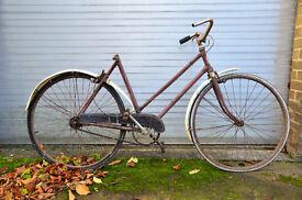 "Vintage ""New Hudson - City Light Tourist"" ladies bicycle. 1939. Project, for restoration."