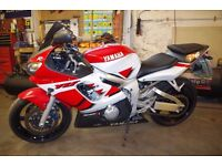 YAMAHA R6 17/01/2000 RED AND WHITE FOR SALE
