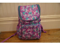 SMIGGLE UNICORN DESIGN COLOURFUL BACKPACK - VGC