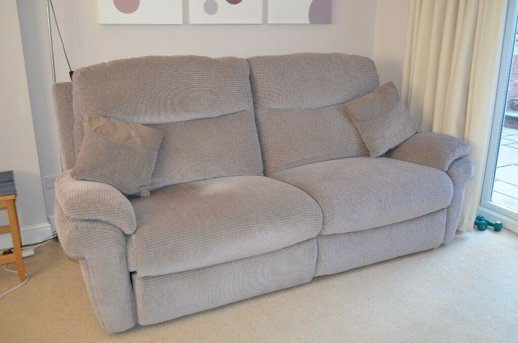 Terrific La Z Boy Tamla 3 Seater Electric Power Recliner Sofa Two For Sale In Dorking Surrey Gumtree Short Links Chair Design For Home Short Linksinfo