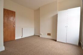 2/3 Bedroom top floor flat in Haringey close to Turnpike Lane