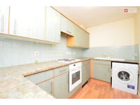 Stunning 2 Bedroom Flat Located in Barking, IG11 0XY - Priced at £1000.00pcm - Available 23/02/2018
