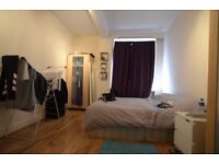 Spacious double room in perfect location, easy access to underground station, all bills included