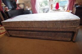 Single bed with fold away second single bed