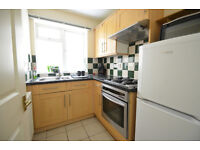 DALSTON JUNCTION E8 -------- Fantastic 1 Bed Apartment With Garden ----- E8 4AR --- £298 pw --