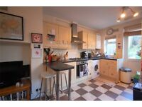 1 BED FLAT + GARDEN AVAILABLE FOR RENT IN QUEENS PARK