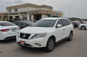2014 Nissan Pathfinder SL - 4x4, Trailer Hitch, Remote Start
