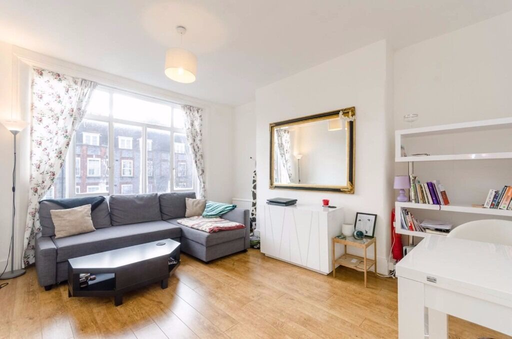 BRIGHT & AIRY 2 BEDROOM PERIOD CONVERSION MOMENTS FROM CAMDEN & CALEDONIAN ROAD TUBE STATION