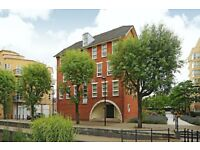 Durrell House - A spacious and modern one bedroom top floor apartment to rent with canal views