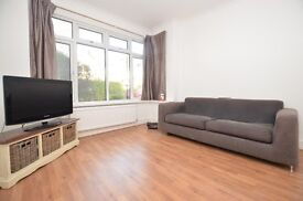 *** BEAUTIFUL 3 BED HOUSE WITH PRIVATE GARDEN SE23 ***