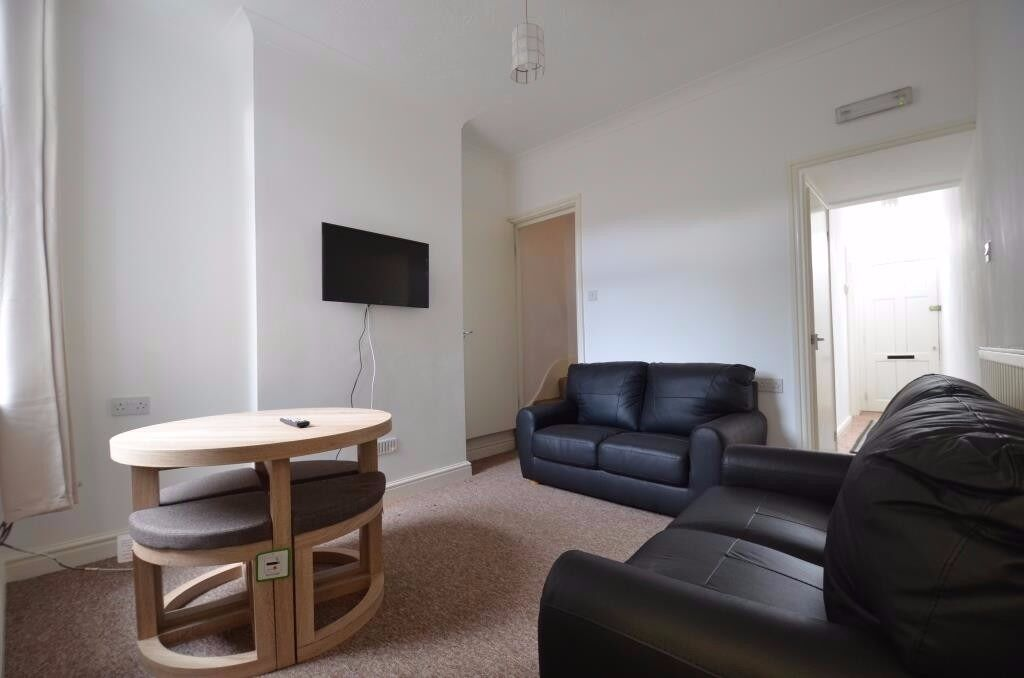 Modern 4 Double Bedroom Student House, Winnie Road, Selly Oak 2017 - 2018