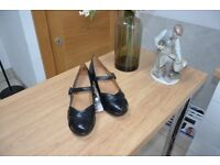 Women's Orthotic Shoes - Size 5W- Clearance Sale