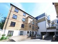 Tideway Court - A top floor two bedroom apartment to rent with off street parking