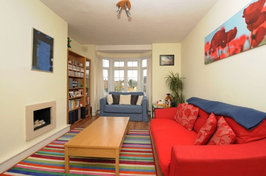 Two Double Bedroom Flat, Bellamy House, Garratt Lane Tooting SW17, £1500 Per Month