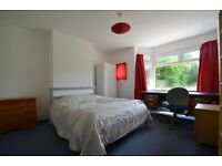 GREAT EAST LOCATION - ULTRA SPACIOUS ROOM // PERFECT FOR 2 PEOPLE