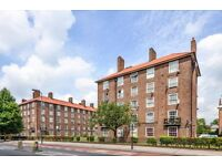 NEW REFURBISHED 3 BED FLAT HUGE DOUBLE BEDROOMS 5 MIN FROM OVAL STATION, REALLY NICE FINISH !