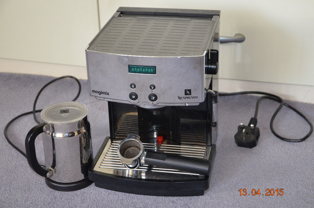 magimix nespresso m300 coffee machine in poole dorset gumtree. Black Bedroom Furniture Sets. Home Design Ideas