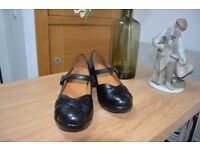 Women's Orthotic Shoes - Size 6W- Clearance Sale