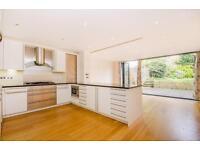 4 bedroom house in Harley Road, Primrose Hill