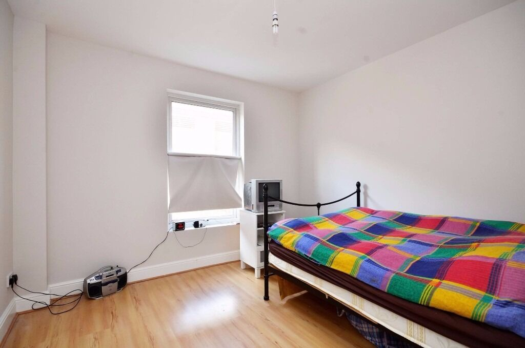 One bedroom apartment close to Baker Street Underground - Boston Place, NW1