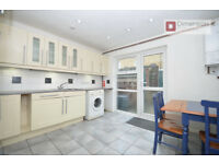 *** Lovely 3 Bed Townhouse in Clapton, Hackney, E5 - Private Garden - Available Now!***