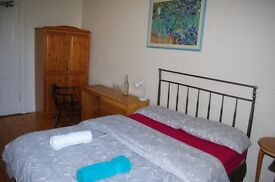Best location in Marchmont, double room for short - medium term, flexible dates. Avaialble now.