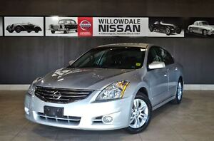 2010 Nissan Altima 2.5 S Luxury, Bluetooth, Heated front seats,