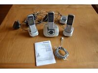 Set of Home Phones with Answering Machine