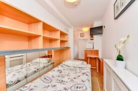 Earls Court - Nice Small Double Bedsit