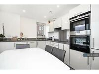 3 bedroom flat in Dalston Square, London, E8 (3 bed)