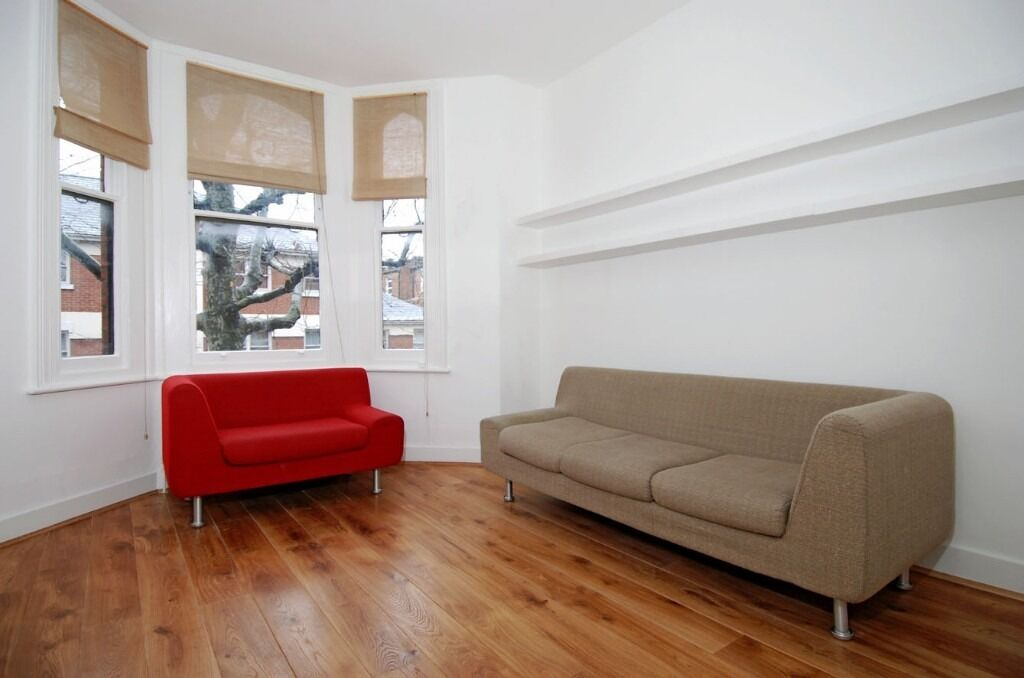 A bright and airy one bedroom flat, situated five minutes from Parsons Green Tube, Munster Road, SW6